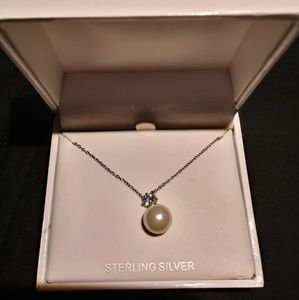 Anne Klein Pearl and Crystal pendant